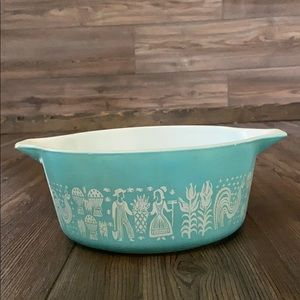 Vintage Pyrex Butterprint Amish Dish 2.5 quarts